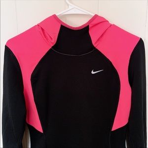 🌸 Nike Dri-Fit Top